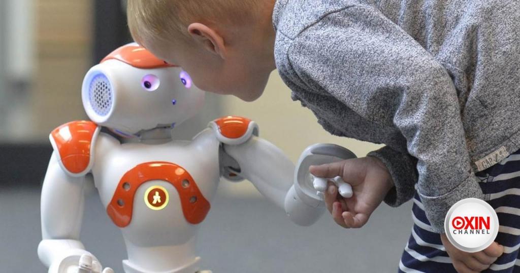 ربات آموزش زبان