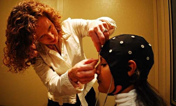 تاثر یادگیری زبان بر مغز